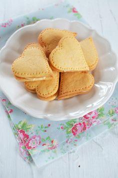 Food: Eleven Cute Valentine's Day Recipes  Sweet! >Custard Cream Hearts via eat, little bird