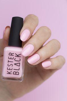 KESTER BLACK Coral Blush, light pink nails