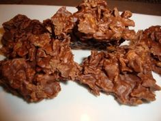 Corn Flakes au chocolat ( crapauds, frogs) - Héritage Culinaire Cookie Desserts, Easy Desserts, Cookie Recipes, B Recipe, Bon Dessert, Cereal Treats, Corn Flakes, Chocolate Recipes, Beaulieu