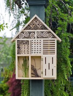 Buy a Habitat Hotel from Gardener's Supply. The Habitat Hotel puts out the welcome mat for pollinating butterflies and solitary bees, as well as lacewings and ladybugs that help control insect pests. Bug Hotel, Carpenter Bee Trap, Mason Bees, Diy Bird Feeder, Bird Feeder Plans, Beneficial Insects, Hotels, Garden Supplies, Garden Projects