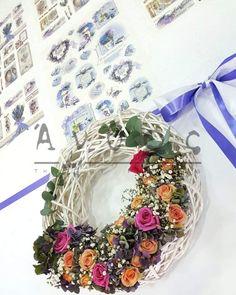 Άνθος Christmas Wreaths, Floral Wreath, Holiday Decor, Home Decor, Floral Crown, Decoration Home, Room Decor, Home Interior Design, Flower Crowns