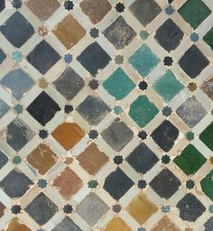 Alhambra. Granada Islamic Patterns, Tile Patterns, Moroccan Tiles, Moroccan Decor, Soft Tiles, Goldscheider, School Murals, Arabesque Pattern, Arabic Design