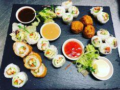 Sommerrollen nach Sushi Art ! Gibt es nur in MAMMAM Berlin-Friedrichshain und Berlin-Mitte. Laksa, Tofu, Vietnam, Thai Curry, Berlin Mitte, Fresh Rolls, Sushi, Ethnic Recipes, Rice Noodles