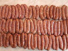 Domácí klobásy do udírny. Recept na výrobu klobás a postup jak udit. Je to jednoduché. Návod na domácí klobásy, zvládne to každý. Sausage, Meat, Fitness, Sausages, Excercise, Health Fitness, Hot Dog, Chinese Sausage