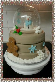 My childrens snowglobe cake. :-D Www.thepurplewhisk.co.uk