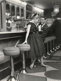 Bistrots et cafés parisiens - Photos anciennes et d'autrefois, photographies d'époque en noir et bla