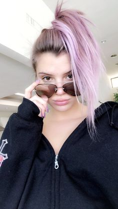 Bright Hair Colors, Hair Color Purple, Cool Hair Color, Colourful Hair, Alissa Violet Style, Alissa Violet Outfit, Dip Dye Hair, Dye My Hair, Allisa Violet