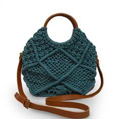 Lilikoi Macramé Crossbody Bag in Bayberry – Anabaglish Clutch Bag Pattern, Purse Patterns, Craft Patterns, Clutch Purse, Diy Tote Bag, Diy Purse, Crochet Wallet, Macrame Purse, Craft Bags