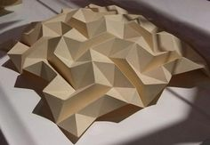 62 Ideas For Origami Architecture Geometry Triangles Kirigami, Origami Artist, Art Origami, Origami Bird, Architecture Origami, Architecture Art, Pop Up, Design Origami, Geometry Triangles