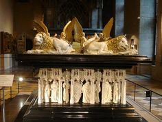 Tombs of the Dukes of Burgundy. - Dijon.