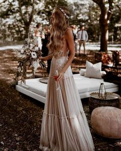 bohemian wedding look fashionable boho bride with long hair down simple crown long dress ayeh.kphotography weddings 24 Stylish Bohemian Wedding Look Wedding Looks, Perfect Wedding, Dream Wedding, Wedding Day, Rustic Boho Wedding, Luxury Wedding, Wedding Table, Wedding Ceremony, Muse By Berta