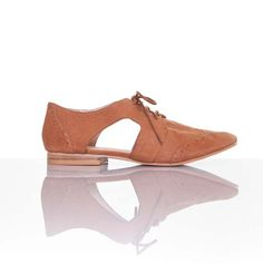 Lorenza Flat Toffee brown // cutout form #wearabledesign #designinspiration