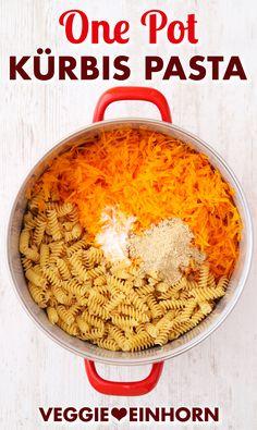 Pumpkin Recipes, One Pot Pasta Recipes German: Try this quick one pot pasta with pumpkin. Noodle Recipes, Shrimp Recipes, Pasta Recipes, One Pot Vegetarian, Vegetarian Recipes, Healthy Recipes, Pumpkin Recipes, Fall Recipes, Pots