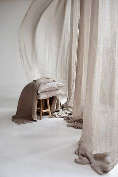 Linen curtains, natural interior, Lumio by Monika Stachura Beige Aesthetic, Ivy House, Interior Decorating, Interior Design, Linen Curtains, Interior Inspiration, Interior Architecture, Sweet Home, Room Decor