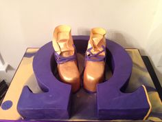 Omega Psi Phi Birthday Cake all cake symbol and gold boots Happy Belated Birthday, 50th Birthday, Birthday Cakes, Birthday Ideas, Just Cakes, Cakes And More, Omega Gifts, Sorority Wedding, Greek Cake