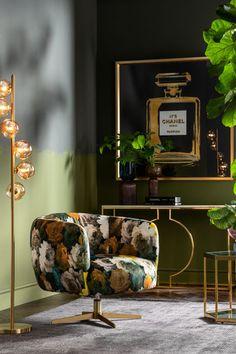 €599 | Peony Yellow draaistoel, unieke en trendy draaistoel uit de meubel collectie van Kare Design. De eigenzinnige meubels van dit unieke woonmerk zijn echte blikvangers en geven karakter aan uw interieur! Afmeting: (hxbxd) 70x81x75 cm. Flower Power, Kare Design, Decoration, Peonies, Modern, Furniture Design, Fragrance, Couch, Retro