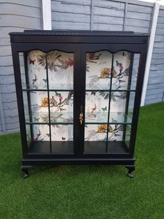Upcycled Showcase Upcycled ShowcaseYou can find Upcycled furniture and more on our website. Funky Furniture, Refurbished Furniture, Paint Furniture, Repurposed Furniture, Furniture Projects, Furniture Makeover, Furniture Legs, Barbie Furniture, Garden Furniture