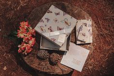 La Conviteria - Caixa Convite Madrinha e Padrinho #wedding #casamento #gif #love #papelaria #exclusividade #amor #madrinha #padrinho #pajen #daminha #cartonagem #caixa #lembrancinha #personalizados #gif #convite #borboleta #butterfly