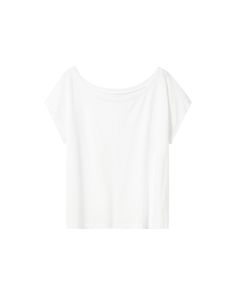 Seriously slouchy white cropped top with great comfort and style. Made from ultra soft organic cotton complete with boxy, oversized fit.