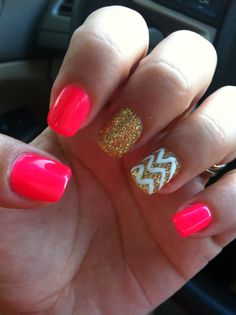 Shellac nails #hotpink#gold#chevron