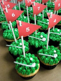 FunFavors Events: Golf Cupcakes {Free Flag Printables}