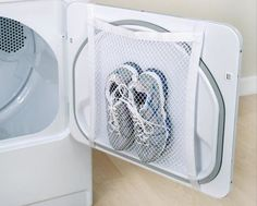 Mesh laundry bags are invaluable laundry gadgets that you may or may not have ever used. Use these laundry bag tips in all your cleaning & organization. Diy Cleaning Products, Cleaning Solutions, Home Cleaning Tips, Diy Products, Laundry Hacks, Laundry Rooms, Organization Hacks, Housekeeping, Clean House
