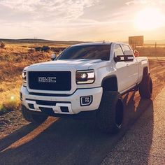 Image may contain: car, sky, outdoor and nature Gm Trucks, Diesel Trucks, Lifted Trucks, Chevy Trucks, Rolling Coal, Gmc Sierra 2500hd, Future Trucks, Chevy Girl, Jeep Renegade