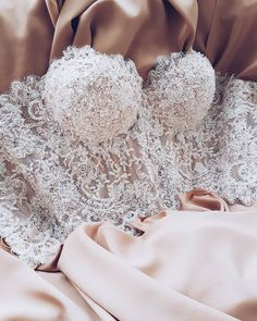Lingerie 7 Wedding Dresses of Your Dream - Amazing wedding corset Sexiest lingeries on planet earth Jolie Lingerie, Lingerie Outfits, Pretty Lingerie, Women Lingerie, Sexy Lingerie, Lingerie Dress, Luxury Lingerie, Wedding Corset, Wedding Night Lingerie
