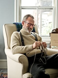 The very handsome Mr Paul C Morris knitting using his neighbours home spun sheep wool - NYTimes.com