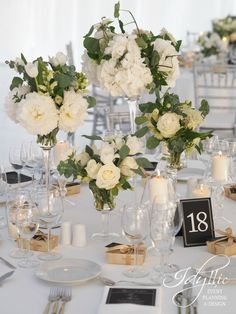 mix vases centerpiece / wedding flower design at Sudiourile MediaPro by Idyllic Events