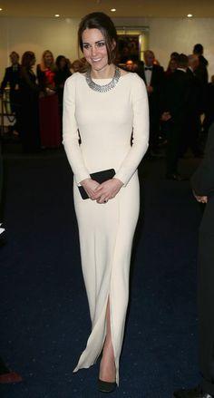 Kate Middleton vuelve a elegir Zara, esta vez como complemento para su outfit de noche
