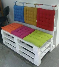 Take 3 scrappy pallets and make a cheerful home accessory! Colorful! Adorable! Perky! #recycle #upcycle