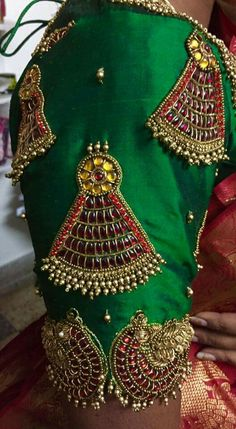 Kundan work blouse designs, Elbow length blouse designs and Latest saree blouse designs are the trends which are go to go for any special occasion or event. Sari Blouse Designs, Bridal Blouse Designs, Blouse Patterns, Dress Designs, Hand Work Embroidery, Hand Embroidery Designs, Beaded Embroidery, Simple Embroidery, Maggam Work Designs