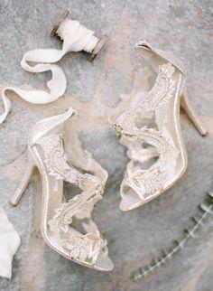 Elegant gold lace bridal shoes