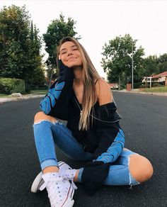 Perfect Girl Photography Poses Ideas Looks So Amaze - Wedding Inspire Cute Instagram Pictures, Cute Poses For Pictures, Instagram Pose, Picture Ideas For Instagram, Instagram Girls, Insta Photo Ideas, Cute Tumblr Pics, Ideas For Instagram Photos, Tumblr Picture Ideas