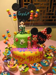 Jcakehomemade: Mickey and Minnie Mouse cake and cupcakes