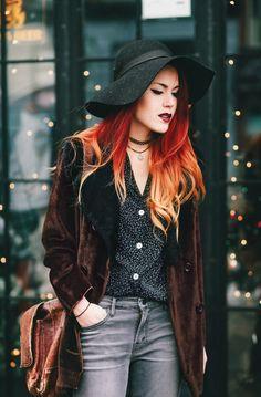Suede coat, vintage; Le happy