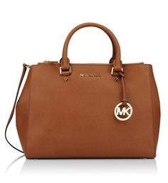 Michael Kors Bag Brown, over the shoulder purse, with adjustable/clip on straps. Additional jet set gold and black MK wallet purse. Price is for both MK purses. Jet Set, Casual Chic, Sac Michael Kors, Mk Wallet, Mk Purse, Galeries Lafayette, Shoulder Purse, Handbags, Purses