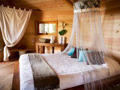 Huts in the trees. Cabanes Als Arbres-20-1 Kind Design