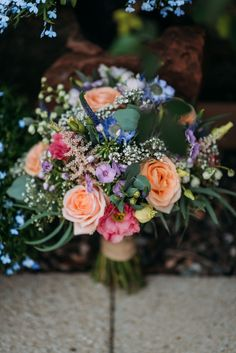 Amazing shots by Burfly Photography of Sherylls bouquet at Pratis Barn
