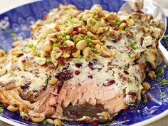 1)Tuorejuusto-karpalo-uunilohi.2) Lohihyrrät http://www.hs.fi/ruoka/reseptit/a1349755375483 Helppoja, näyttäviä, maistuvia