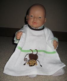 towel bib and other baby crafts http://www.baby-gift-hot-list.com/homemade-baby-shower-gift-tutorials.html