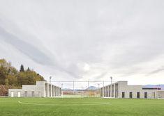 unparelldarquitectes . Ágora, edificio de servicios en la ciudad deportiva del Morrot. Olot (3)