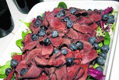 Gæsabringur með villisveppasósu og ristuðum furuhnetum Pot Roast, Iceland, Beef, Game, Ethnic Recipes, Food, Carne Asada, Ice Land, Essen