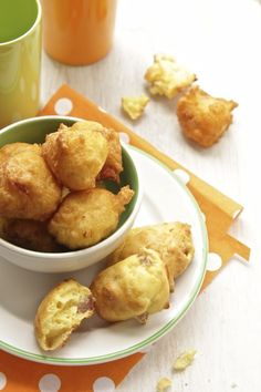 stracchino cuit au four (ou frit) stracchino Finger Food Appetizers, Appetizer Recipes, Savoury Baking, Albondigas, Happy Foods, Food Humor, Creative Food, Food Inspiration, Italian Recipes