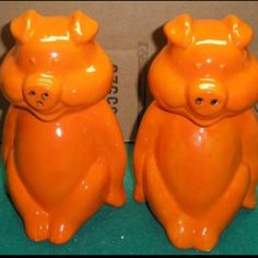 Vintage orange pig salt & pepper shakers