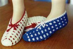 Pantoufles à fenêtres.  Modèle: GRAND Slipper Boots, Slouchy Hat, Leg Warmers, Slippers, Socks, Legs, Couture, Knitting, Multiplication