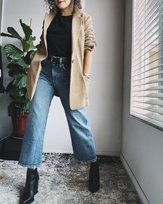 Cropped Jeans Outfit, Jeans Outfit Winter, Cropped Wide Leg Jeans, Outfit Jeans, Winter Fashion Outfits, Jeans Fashion, Outfit Summer, Blue Jean Outfits, Outfit Invierno