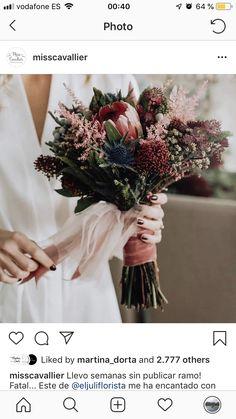 Hochzeit Brautstrauss Brautstrauss Wedding Countdown Planning a successful wedding r Silk Bridal Bouquet, Bridal Flowers, Flower Bouquet Wedding, Rose Wedding, Floral Wedding, Wedding Colors, Boquette Flowers, Small Wedding Bouquets, Bride Bouquets