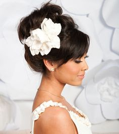 love the updo and the flower... so pretty